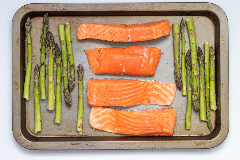 Sheet pan dinner photo by christine-siracusa-065eGbVSNOE-unsplash